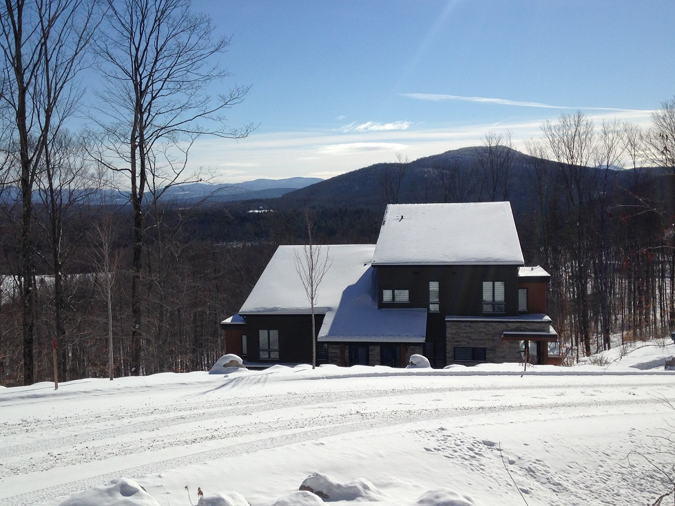 location chalet ski in ski out bromont